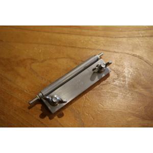 革包丁を砥ぐのは非常に難しいですが、これを使えば誰でも必ず切れる刃を作ることができます。  セット内...