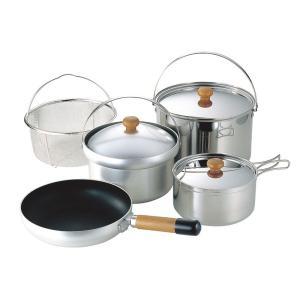 2〜3人分の調理がまかなえ、大鍋、片手鍋、ご飯炊き専用のクッカーや水切りのメッシュバスケット、フライ...