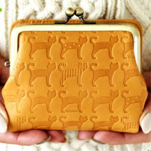折り財布 二つ折り財布 がま口 本革 牛革 日本製 猫柄 ネコ柄 オレンジ キャメル チョコ 女性 レディース  おしゃれ  送料無料 PR10【さらに特典付き】|crescent