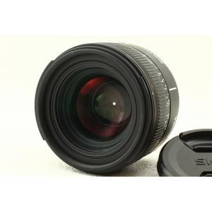 開放値F1.4、大口径標準レンズ。  作画意欲を刺激する最高レベルの描写性能。  30mmの焦点距離...