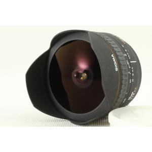 魚眼レンズ特有の歪曲像と、最短撮影距離15cmを活かして、 特殊な描写の世界を楽しめます。