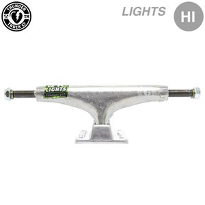 【THUNDER / TRUCK / LIGHTS】  空洞キングピン、軽量化ベースプレートを採用。...