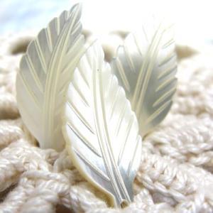 高瀬貝を使用した手作り 貝 パーツ リーフA 3個入り|cufflink