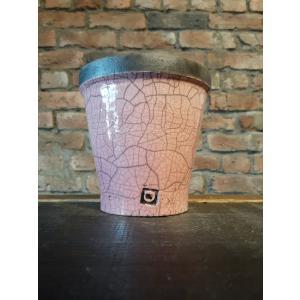ベルギー生まれの鉢、DOMANIの人気シリーズ、ハノイポットです。 4サイズ展開のうち、2番目に小さ...