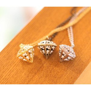 【半額セール】ビッグダイヤモンドモチーフ・ラインストーンネックレス(返品・交換・ギフト包装不可)|curicolle