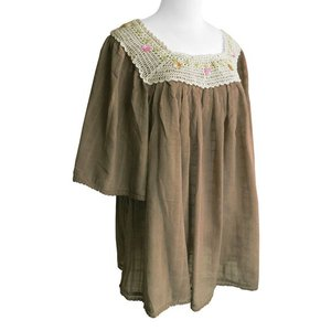 (セール 特価)ブラウス コットン 刺繍&レース(ベージュブラウン)フリーサイズ 綿100% 五分袖 インド綿 体型カバー|cutemania