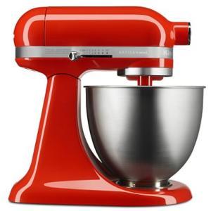 従来サイズのヘッドアップ式キッチンエイドスタンドミキサーと比べれば、パワーは変わらず、20%小さく、...