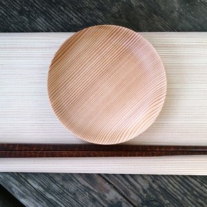 杉のお皿 【奈良の木のあるくらしフェア】|d-tsutayabooks