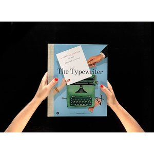 The Typewriter ; A Graphic History of the Beloved Machine|d-tsutayabooks