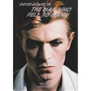 DAVID BOWIE IN THE MAN WHO FALL TO EARTH d-tsutayabooks