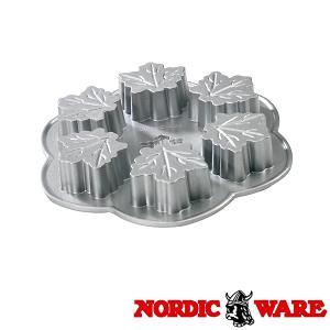 ノルディックウエア かわいい楓の形のケーキ型 メイプルリーフパン Nordic Ware|daily-3