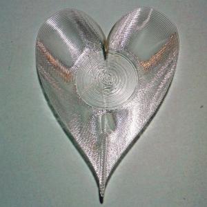 3Dデザイン豆皿 小皿 3D らせん印刷 かる〜い ハート形豆皿 タイプ 12 (輝く 3D プリント透明豆皿)|dasyn