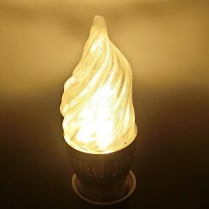 3Dデザイン電球 シャンデリア球 炎のようにゆらぐ形 ホットな燃える炎型 おしゃれにきらめく LED 電球 (白熱灯20W相当,3W電球色 口金E26 店舗にも) dasyn