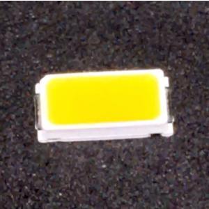 LED 工作に適した 0.5 W 電球色 LED チップ (素子) 5630/5730