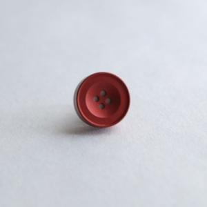 AP-IS-006 Aroma Pins (アロマ ピンズ) カラー/マットレッド  お好みの香水・アロマオイル 等をしみ込ませることができる ボタン型のピンズ|dazzle-sp