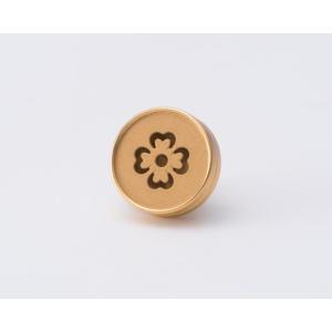 AP-IS-009 Aroma Pins (アロマ ピンズ) フラワー柄 カラー/ゴールド  お好みの香水・アロマオイル 等をしみ込ませることができる ボタン型のピンズ|dazzle-sp