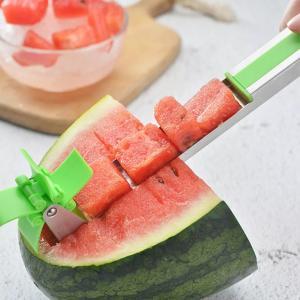 キッチン便利アイテム スイカカッター スイカスライサー 夏を楽しもう すいかをコロコロサイズに連続切...