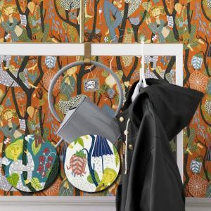 輸入壁紙 SBT-1755 オレンジ 人 絵画 スティグ・リンドベリ MELODI スウェーデン クロス 10m|decoall