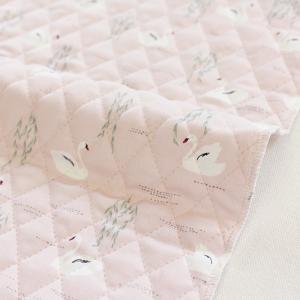 ゆったりと水面に浮かぶ白鳥を描いた「Swan lake (スワンレイク)」。 淡いグレイッシュピンク...