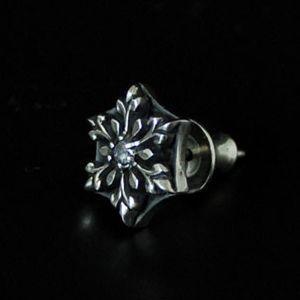 ピアス メンズ レディース 結晶 雪の結晶 シルバー ハンドメイド snow shadow|dedo