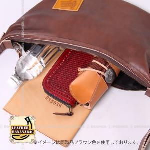 レザー ボディ バッグ バナナ LEATHER BODY BAG BANANA ブラック W-105-BK degner-jp 09