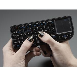 超小型ワイヤレスキーボード+タッチパッド|denshi