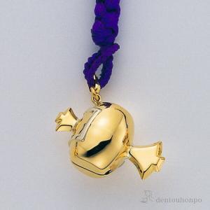 細かな細工で表現された、金製(K18)で小槌形の根付です。小槌は打出の小槌として振ることにより願いが...
