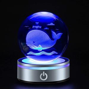 クリスタルボール クジラ 水晶玉 80mmかわいい 置物 鯨 ナイトライト 癒し グッズ 雰囲気作り led台座付き 多色変更 インテリア 寝室 飾り|design-life