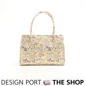 川島織物セルコンの和装バッグ。正絹生地を使い、帯としてお使いいただける程の格式高い「重宝裂」の数々は...