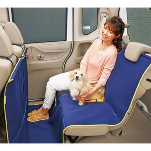 わんこによるシート汚れを防ぐ。  取り付け取り外しが容易な小型犬から大型犬まで使える表面撥水加工のシ...