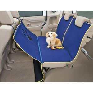 取り付け取り外しが容易な、小型犬から大型犬まで使えるシートマットです。 運転席が見えるよう、フロント...