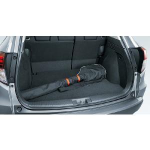 汚れやキズから、ラゲッジルームを守る。 ※HYBRID 4WD車はラゲッジネットとの同時使用はできま...