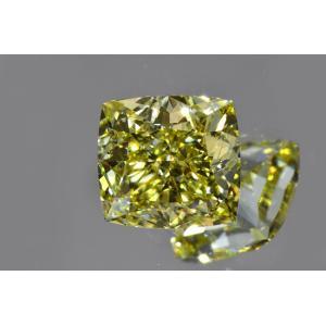 ファンシーイエローダイヤモンドルース クッションカット 0.7カラット VS2 非常に透明感の強い証明お写真つき ダイヤGIA鑑定書 刻印つき|diadia
