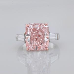 夢のピンクダイヤリング ! 10カラット ファンシーピンクダイヤリング VS2 海外在庫 10億2千万円です。システム上値段が入らず diadia