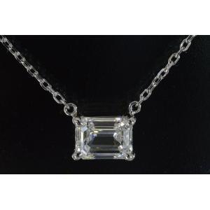 0.5カラット エメラルドカット ダイヤ Eカラー IF ネックレス 横置きが凛とした上品さと可愛さのハーモニー! Eカラー IF ダイヤ|diadia