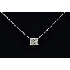 0.7カラットラディアントカットダイヤ一粒ネックレスプラチナ 横置きが可愛い! 上品で輝きの強いダイヤネックレス DカラーI1|diadia