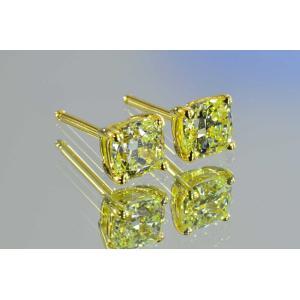 大人気!片方1カラット のダイヤピアス クッションカット Mカラー VVS はんなりレモンイエローダイヤがYGが優しくキラキラ輝く|diadia