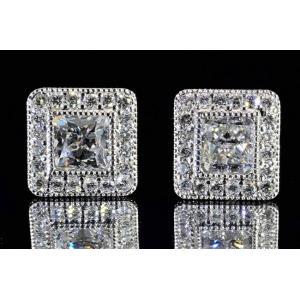 店長のダイヤピアス!ラディアントカットダイヤ片方0.7カラットF Si1 2重のミルウチと周りのメレダイヤが華やかで上品に!|diadia