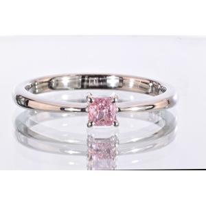ファンシーインテンスピンクダイヤ シンプル一粒リング プラチナ 0.17カラット クッションカット ダイヤ 気品あり重ね付けも楽しい diadia