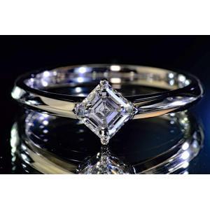 0.5カラットアッシャーカットダイヤリングプラチナ EカラーVS1 洗練された透明感のある大人ダイヤリング ダイヤGIA鑑定書つきダイヤ鑑別書|diadia