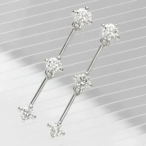 K18WGダイヤモンドスリーストーンピアス 0.60ct|diaw