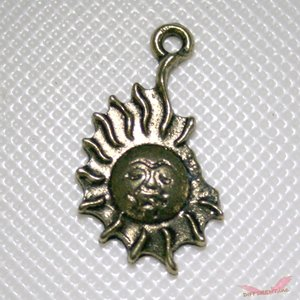 古代の太陽デザイン チャームパーツ|different