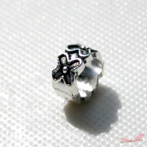 花 デザインメタル ビーズ 10mm*9mm 5mm穴|different
