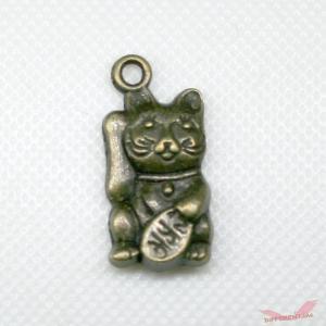 招き猫 3D チャーム 銅古美|different