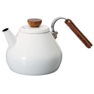 紅茶をおいしく淹れる秘訣となる、「茶葉のジャンピング」に必要な空気を多く含むお湯を注げるように注ぎ口...