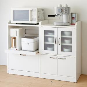◆コンパクトでかわいらしい食器棚の登場です。◆うっすら中の見えるミストガラスの扉でおしゃれと実用性を...