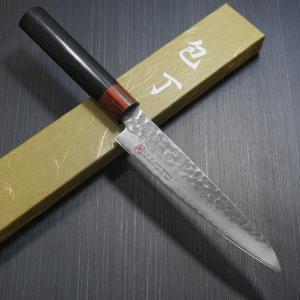 刃物の町として世界的にも有名な関市のペティナイフです。   このペティナイフは日本刀のように異なっ...