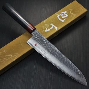 刃物の町として世界的にも有名な関市の包丁です。   この包丁は日本刀のように異なった素材で形成され...