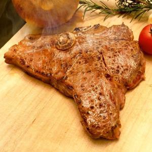 Tボーンステーキ 200gアップ 仔牛 ステーキ 焼肉 BBQ 骨付き肉