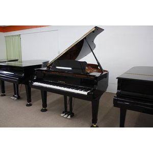 【中古】ヤマハグランドピアノ C3L(610万台)